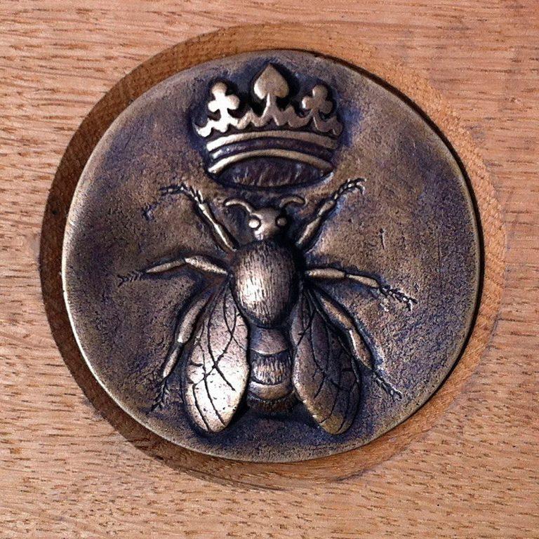 Queen Bee - Marion Smith   RSA